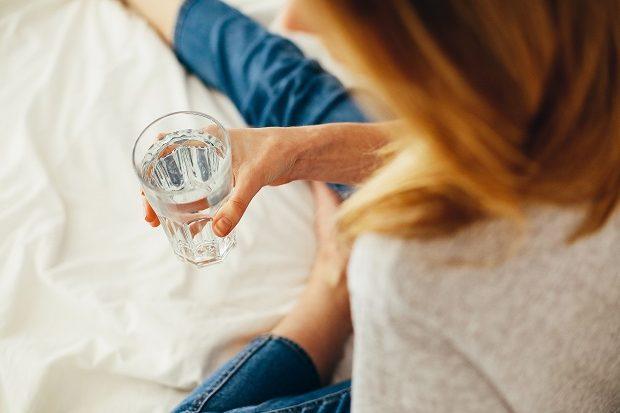 beber agua para dejar de fumar